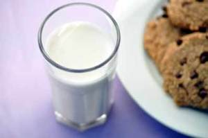leche-galletas